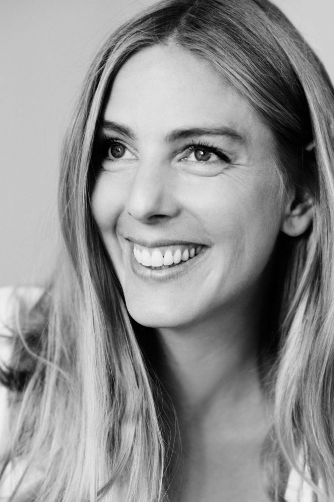 """Interview mit Autorin Malin Elmlid über ihr neues Buch """"Mein persönlicher Mutterpass"""" – und warum wir ehrlicher in Bezug auf das Thema Muttersein sollten"""