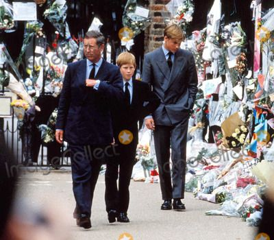 Floral tributes to Diana