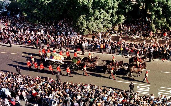 Diana, funeral procession