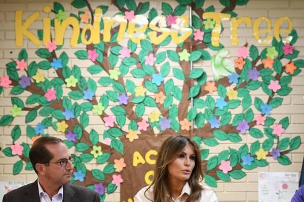 melania-trump kindness tree_0