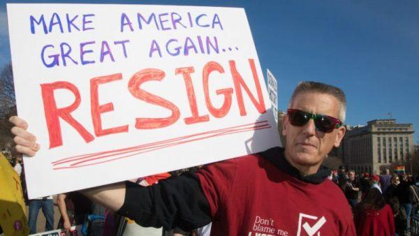 trump resign sign