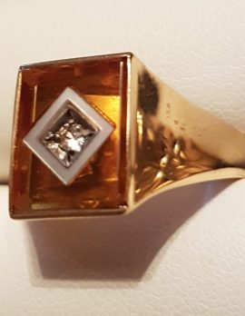9ct Gold Rectangular Yellow Stone with Mother of Pearl Gents Ring