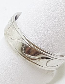 9ct White Gold Rounded Wide Wave Design Wedding Band Ring