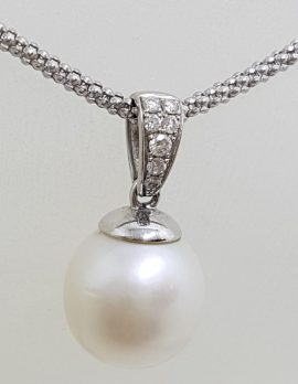 9ct White Gold Pearl & Diamond Drop Pendant on Gold Chain