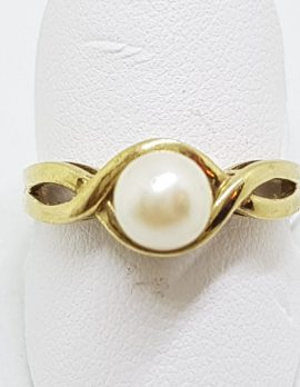 9ct Yellow Gold Pearl Twist Design Ring