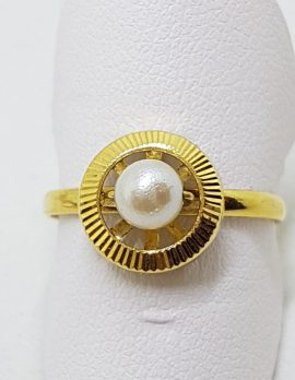 18ct Yellow Gold Pearl Round Ring