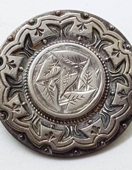 Sterling Silver Antique Round Leaf Design Brooch