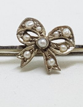9ct White Gold Seedpearl Bow on Bar Brooch – Antique / Vintage