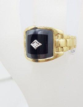 9ct Yellow Gold Onyx, Hematite / Iron Ore and Diamond Gents Ring