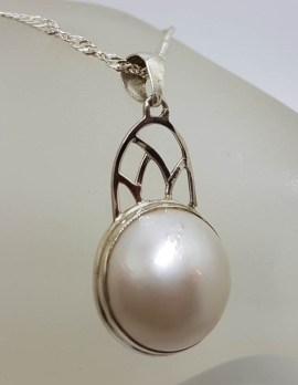 Sterling Silver Round Mabe Pearl Ornate Arch Shape Pendant on Silver Chain