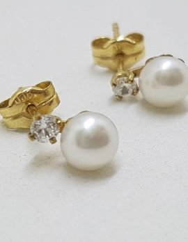 9ct Yellow Gold Pearl and Cubic Zirconia Stud Earrings
