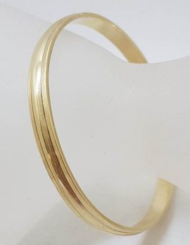 9ct Yellow Gold Solid Wide Bangle with Line Pattern