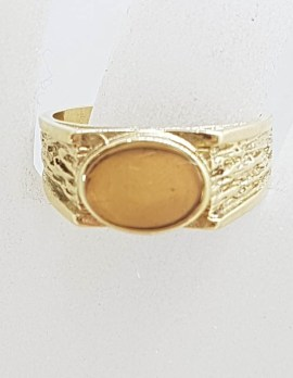 9ct Yellow Gold Oval Signet Ring with Bark Design on Sides - Gents Ring / Ladies Ring - Antique / Vintage