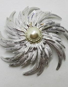 Very Large Plated Leaf Swirl Round Brooch - Vintage Costume Jewellery