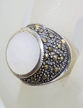 Sterling Silver Mother of Pearl & Marcasite Round Ring