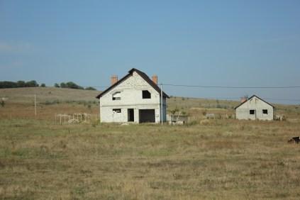 Es gibt viele Häuser, die nicht ganz fertig sind