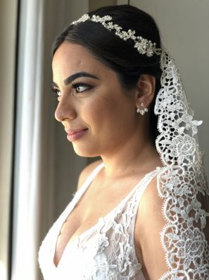 bride poses bedore her ceremony in grand oasis cancun