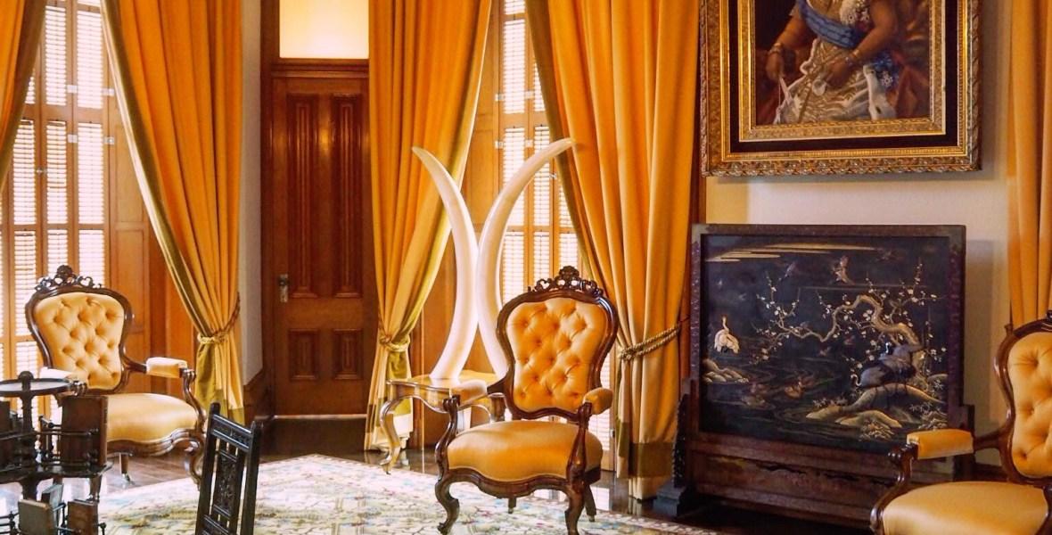yellow room inside I'olani palace