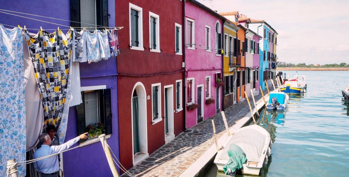 wandering the streets of Burano