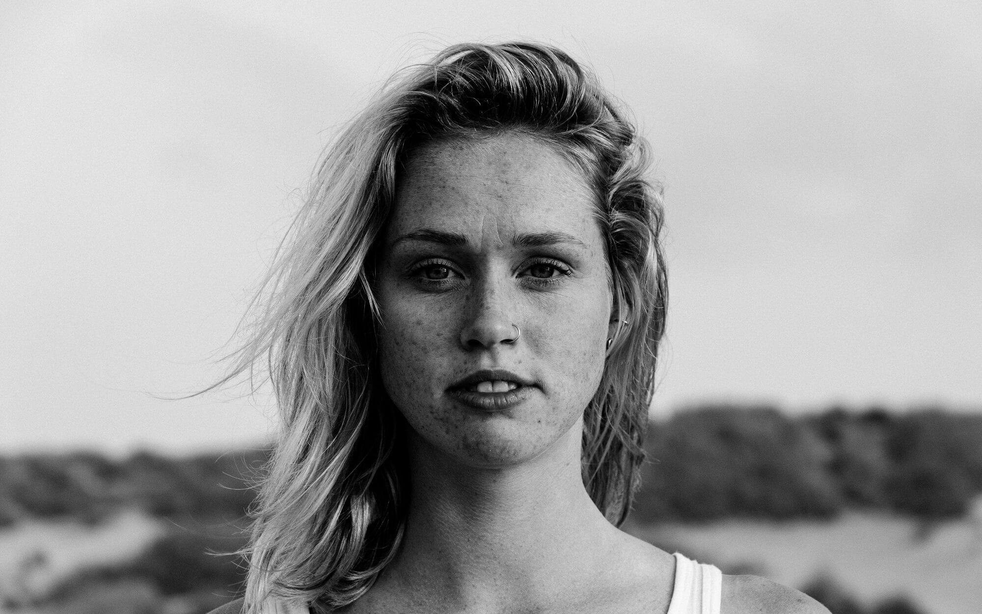 Portret van Loes Stenveld.