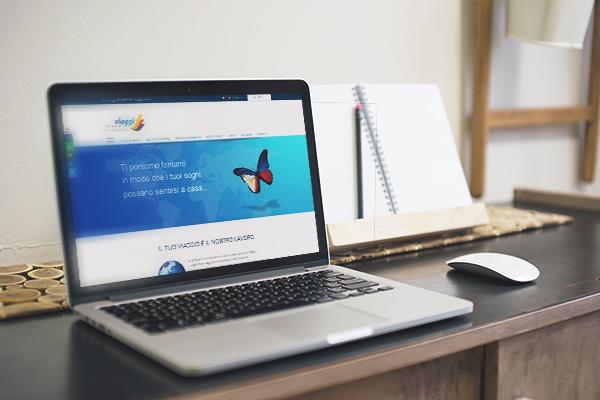 Realizzazione sito web multilingue Equarlaes Viaggi | alexiamasi.com