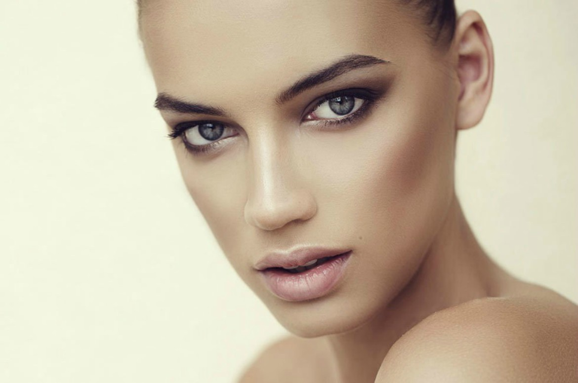 how to wear bronzer the best bronzers for you looking to achieve a. Black Bedroom Furniture Sets. Home Design Ideas