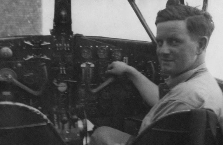 Stanley Jones, RAF, From Wales