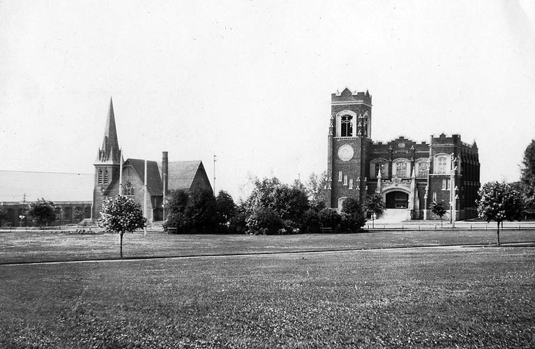 St. Paul's United Church Port Arthur - Across from the Cenotaph   Alex Inspired