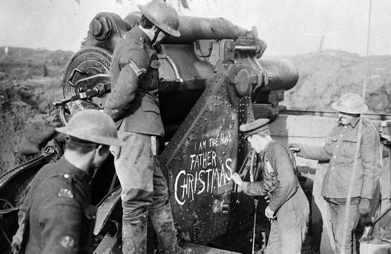 Canadian Archives MIKAN 3395221: A heavy howitzer on the Somme. November, 1916. Nov., 1916.