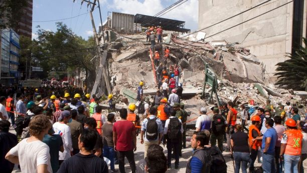 59c274737e6a1 - Mexico earthquake: Death toll rises to at least 217 people, including school children found dead under rubble in their classrooms