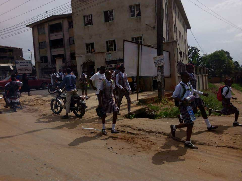 Photos: Parents rush to schools to pick their wards after IPOB members alleged that soldiers are injecting pupils with Monkeypox virus