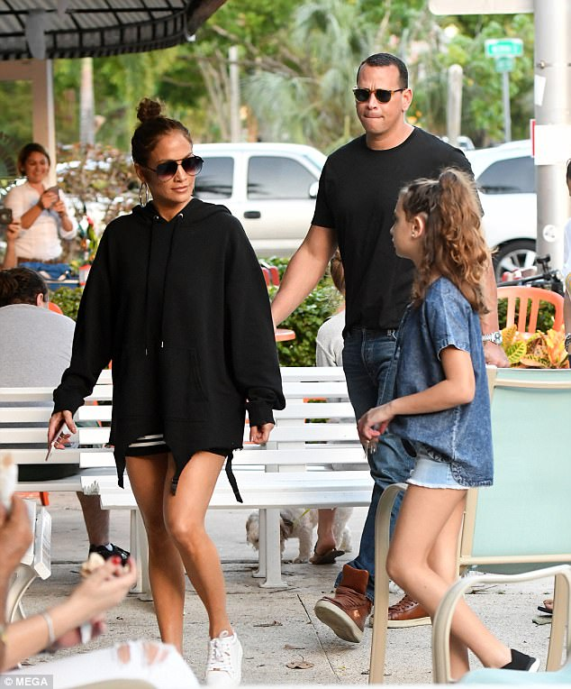 Jennifer Lopez wears boyfriend Alex Rodriguez