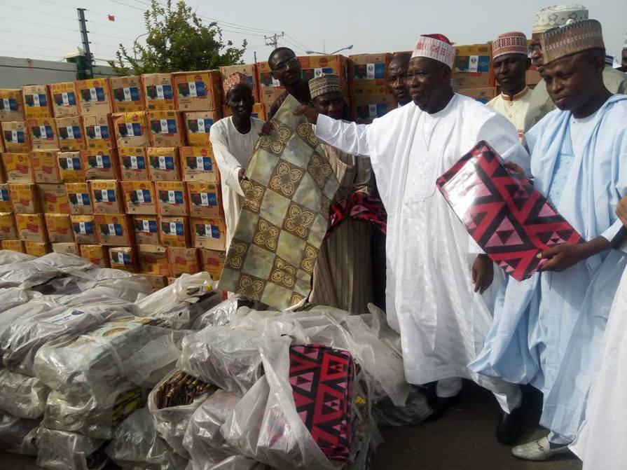 Photos: Kano state governor, Abdullahi Ganduje, spends N208m to buy noodles, beverages, others to empower tea sellers in the state