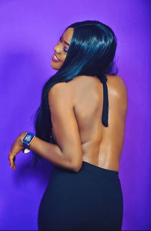 Beautiful Nigerian policewoman celebrates her birthday with cleavage-baring photos