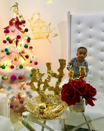 Tonto Dikeh and her son, King Andre join hands to decorate their Christmas tree at home (photos)