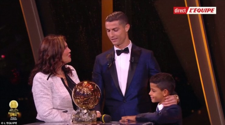 Breaking! Cristiano Ronaldo wins the 2017 Ballon d