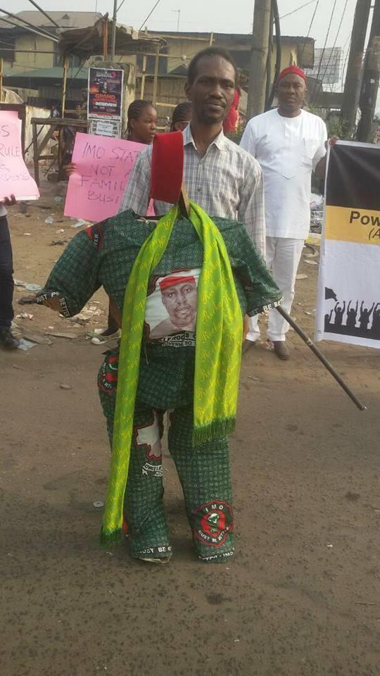 Photos: Police reportedly attack anti-Okorocha protesters in Owerri