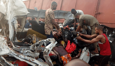 Very Gaphic photos! All passengers die as their bus hit a truck along Lagos-Benin expressway