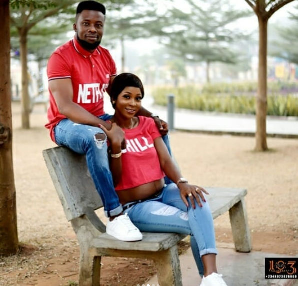 Lovely pre-wedding photos of a pregnant bride-to-be and her groom