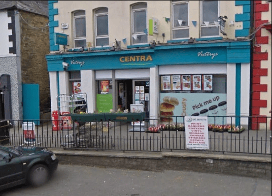Thief sues shop owner after injuring his scrotum while breaking into the shop