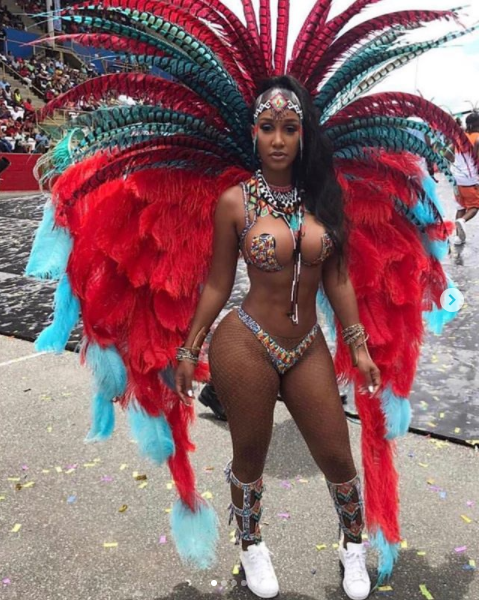 Bernice Burgos shows off her hot bod in barely-there carnival costume