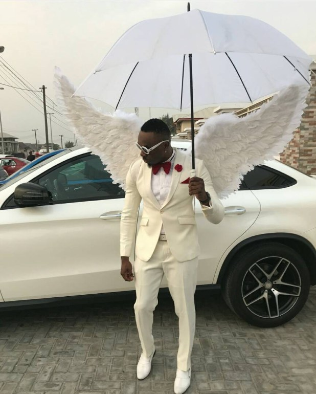Controversial socialite, Pretty Mike, attends a wedding in Lagos dressed in an angelic costume(photos)