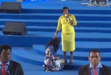 Shocking! Stephanie Otobo visits Apostle Suleman