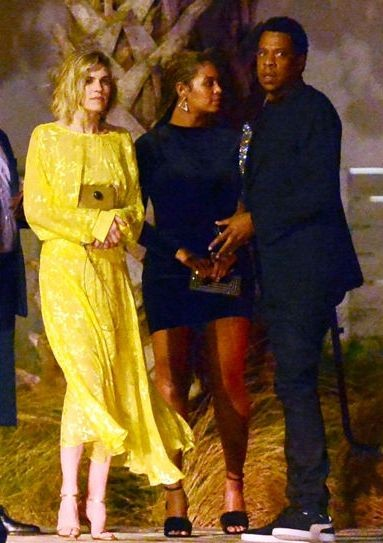 Beyonce steps out in really long braids (photos)