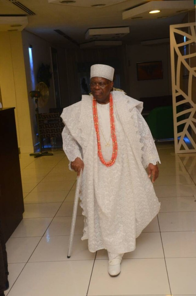 Lovely photos of Oba Tejuoso, his wives, children and grandchildren at his pre-80th birthday family dinner