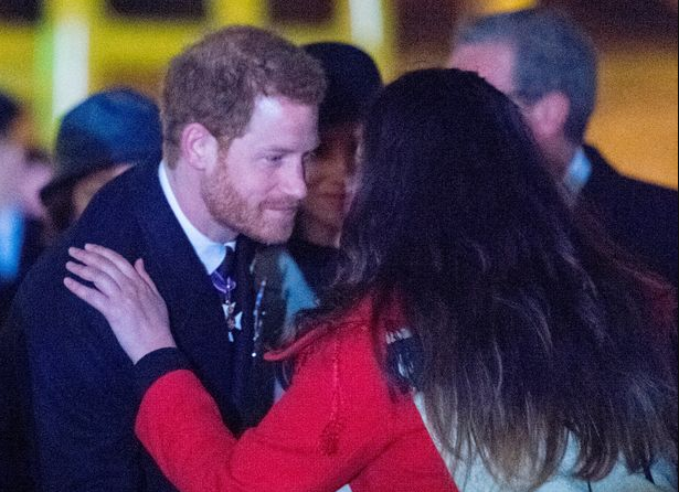 See Prince Harry and Meghan Markle do the traditional hongi greeting which involves the soft pressing of noses and the sharing of each other