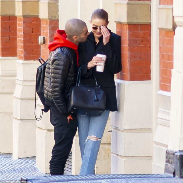 Gigi Hadid and Zayn Malik are back together as they are spotted kissing passionately in New York City (Photos)