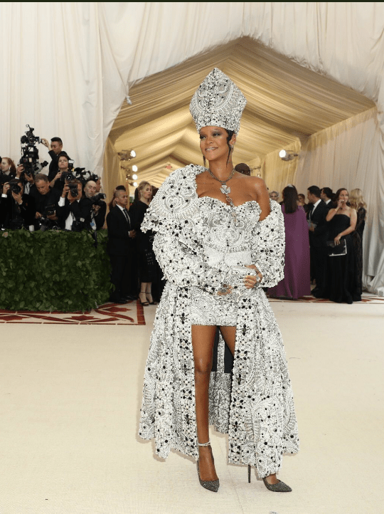 As always, Rihanna rules the Met Gala (photos)