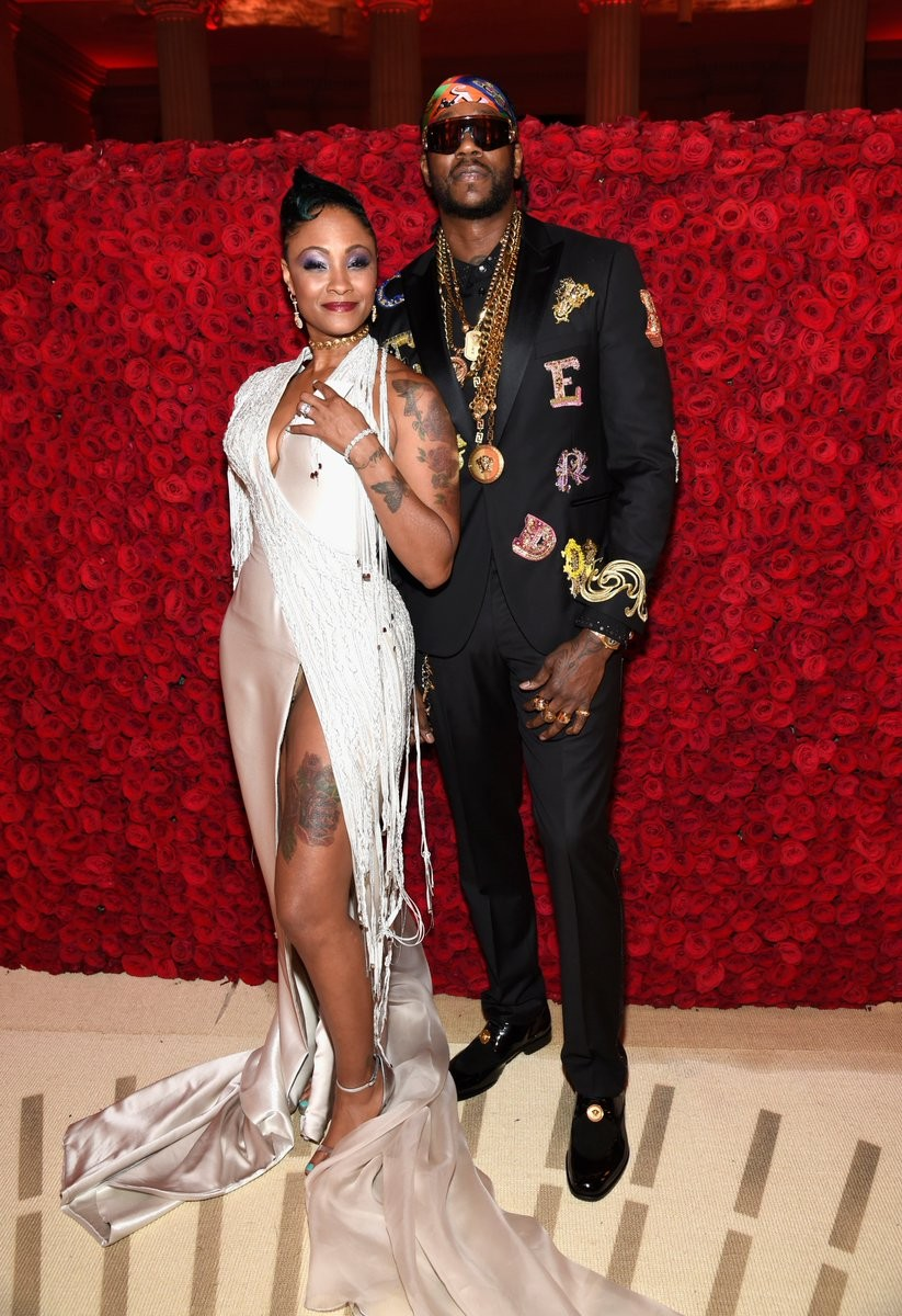 who is 2 chainz dating