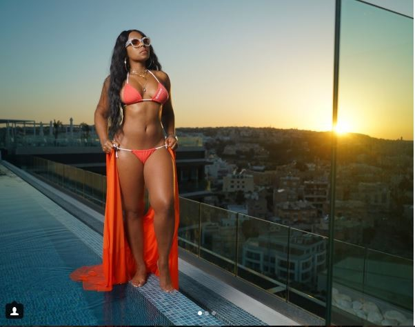 ?Ashanti shows off her amazing summer body in new sexy photos